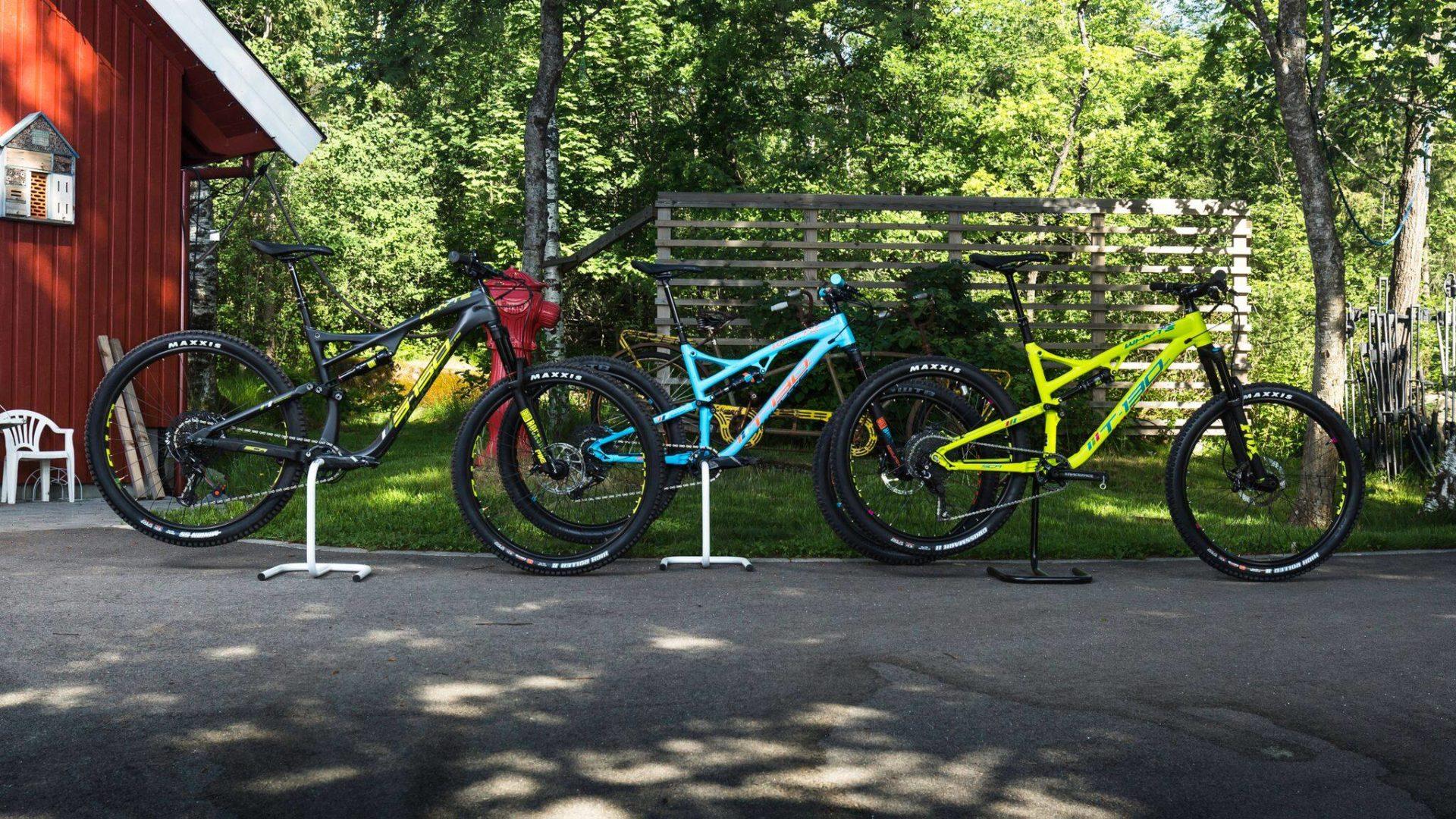 Whyte sykler på tunet til Flytsti
